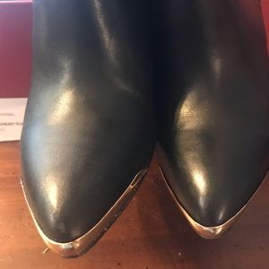 NIB Saks Red Fifth ave Black boots sz 6.5